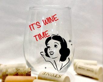 Disney wine glasses princess snow white stemless wine glass 21st birthday gift Adult gifts for her Disney glassware wine glasses home decor