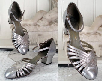 c1940's Sz 5 Silver Leather Danse Shoes Manfield .  WW11 Fashion .  Lindy Hop . Land Girl .