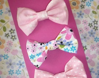 Set of 3 Hair Bows - pretty pink florals! Medium size girly bows on clips :)
