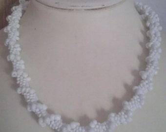 Bead crochet necklace -White