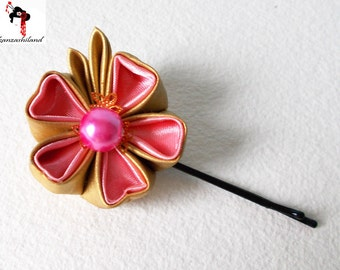 Japanese flower tsumami kanzashi, pink and gold.