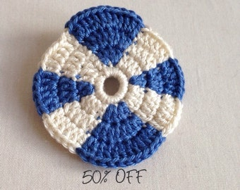 Crocheted St Andrews badge in 100% cotton