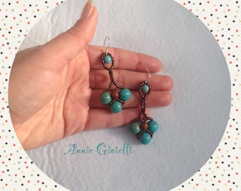 Earrings made with beads and gemstone/jewelry/jewellery/pendants