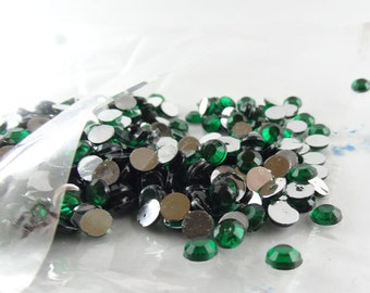 Green beads, flatback beads , green rhinestone approx 500 pieces