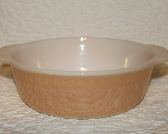 Q11 Oval Casserole Dish Peach Luster Looks Like New Made In USA 1.5 Quart