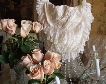 Jeanne d'Arc Living Vintage Style European Creme Color Crochet Lace Purse