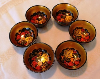 Xoxloma - Traditional hand painted wooden  bowl