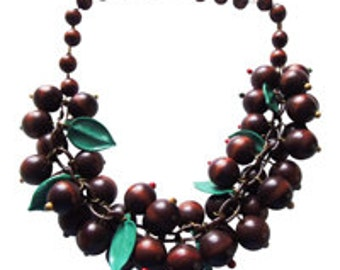 Art Deco Chunky Wood Berry Necklace Vintage 1930