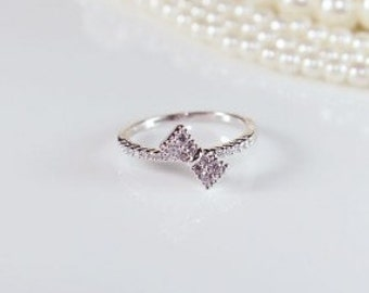 Sideways Bow Ring