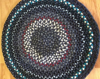 "Handmade wool braided rug 36"" round"