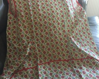 handmade vintage apron green red blue floral  tie back with pockets