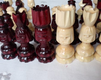New special handcarved,carved face,hazel wood,bordeaux color wooden chess pieces