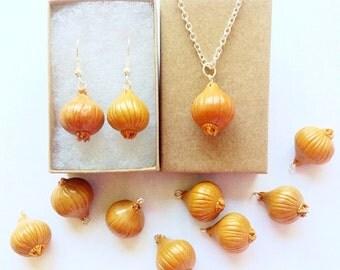 Onion jewelry set,Onion earrings,Onion necklace,Vegetable earrings, Gift for women,Vegetable jewelry,Vegetable gifts,Vegetable necklace
