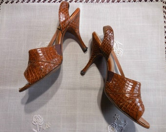 SALE!! Vintage 1960s snake skin heels by Henry Waters Shoes of Consequence pumps sling back high heels stilettos size 5 1/2 N