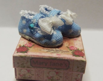 Blue & White Spot Girls Miniature Mary Jane Dolls House Shoes