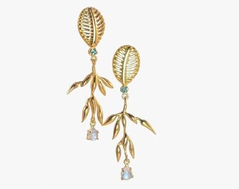 Paradise chandelier earrings in 22 ct gold plated silver with aqua tourmaline and fine blue moonstone