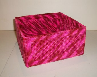 Kitchen Dining Handmade Plastic Canvas Yarn Square Napkin Holder Pinks Pink Tones