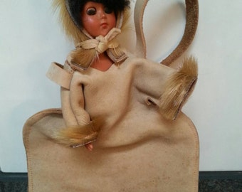 SALE!! 1950s Eskimo Bag Purse 1960s Winter Accessoire