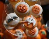 12 Edible sugar Halloween cake decorations ghosts pumpkins bats cupcake toppers