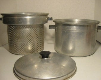 Vintage West Bend Aluminum  Three Piece Pot With Strainer Lid 8 Quarts