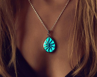 Glowing Necklace - Glow in the Dark Jewelry - Valentine - Jewellery - Sun in your Life - Birthday Gift - Glow Necklace - Gifts for Her