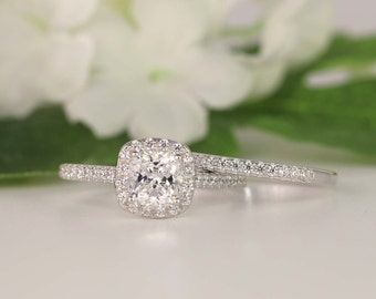 1.0ct Wedding Ring set - Cushion Cut Engagement Ring - Cushion Halo Ring - Cubic Zirconia Ring - Sterling Silver (size 3.5~11)