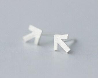 Arrow Stud Earrings,Sterling Silver Earrings,Arrow Earrings,Triangle Stud Earrings,Geometric Studs,Arrow Stud Earrings,Punk Rock Jewelry