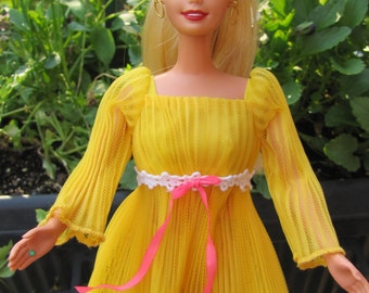 Beautiful Vintage Blonde Barbie dressed in Lemon Kick Outfit with Stand