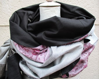 Westolaloop of silk/cotton chintz in black, grey, rose, pink