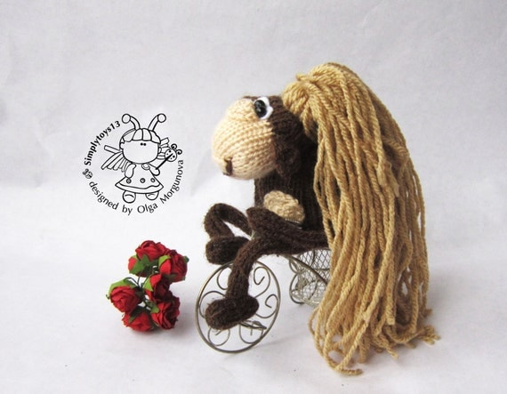 Keychain monkey (two in one)- knitting pattern (knitted round). New year patt...