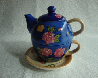 Barnes And Noble 4 Piece Tea Pot For One Stackable Cup /Plate