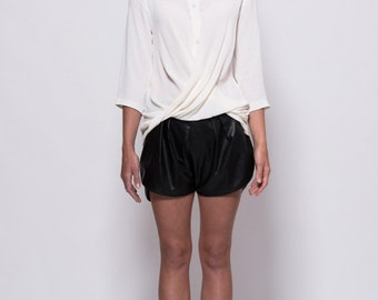 Twisted drape shirt with 3/4 sleeves