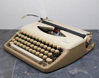 Triumph Tippa, vintage working typewriter
