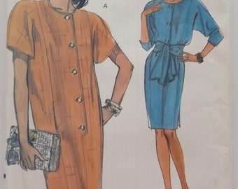 Vogue . Very Easy Very Vogue 8049 Misses' Petite Dress  and Sash . Size 14 thru 18