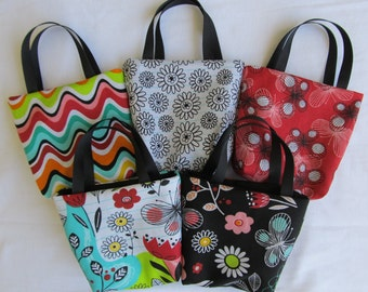 Set of 5 Fabric Gift Bags/ Party Favor Bags/ Goody Bags