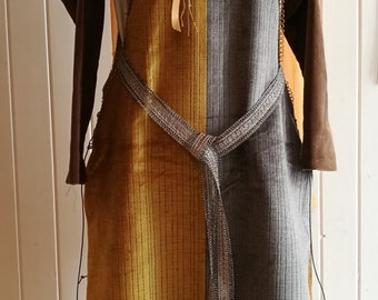 Medieval costume Pellote S. XII