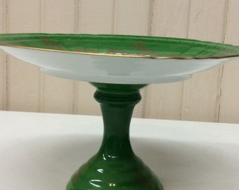 Couleuvre Limoise cake stand