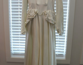 Vintage Ivory Satin 1940's Wedding Gown - Free Shipping within Canada and the USA