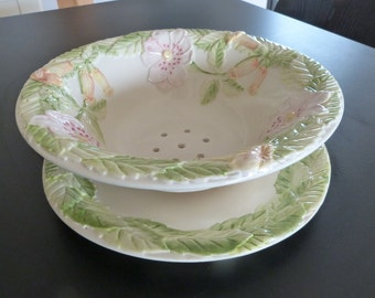 Large Majolica fruit or berry bowl with matching under plate. Vintage country kitchen berry bowl.