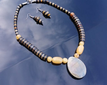 Buffalo Horn Jewelry Pendant and Beads Organic Horn Necklace and Earrings