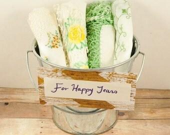 Vintage Handkerchiefs-Lot of 4 handkerchiefs-Hand Embroidered Vintage Handkerchiefs-Green Handkerchiefs-Wedding Handkerchiefs