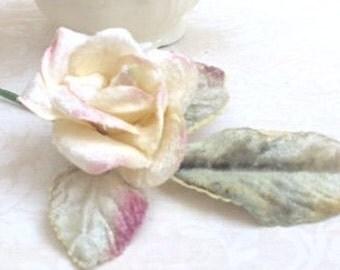 cream velvet rose. small velvet rose.