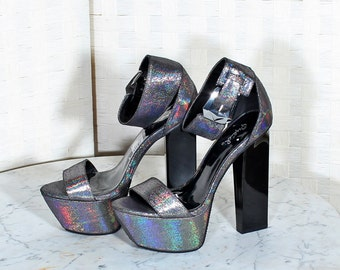 Qupid Metallic Ankle Strap Platform Pumps