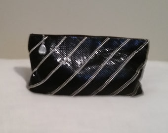 Whiting and Davis mesh clutch