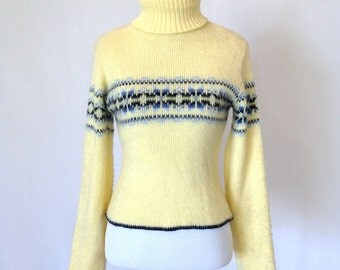 Yellow Nordic Turtleneck Fuzzy Cropped Sweater Size Small