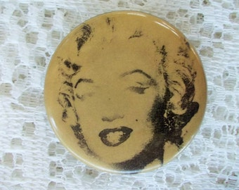 Marilyn Monroe 1988 Collector Pin, Gold Marilyn by Andy Warhol, MOMA