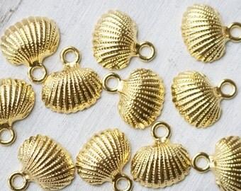 Set of 5, Bright Gold, Big Seashell Charm, Ocean Charm, Sea Charm, Summer Charm, Gold Charms, Gold Ocean Charms, Sea Shell,