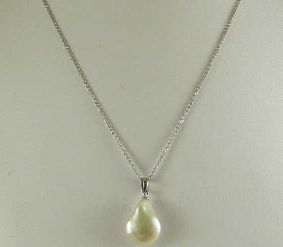 Freshwater 16.8 mm x 13.0 mm Pearl Pendant 14k White Gold with Chain 18''