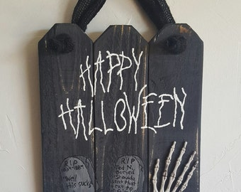 Rustic, handmade Happy Halloween wall hanging