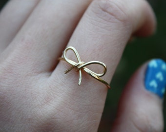 Gold Bow Ring//Bow ring, Wire Bow ring, Thin gold ring, Dainty Ring, Wire Wrapped, Brass, Elegant Ring, Tied Ring, Bow tie Ring, Gift